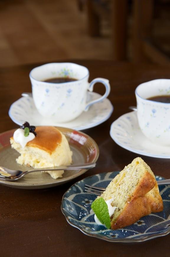 珈琲とシフォンケーキ