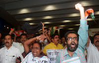 Ινδοί διαμαρτύρονται,Νεφελίμ, μεταλλαγμένοι,Indians complain, Nephilim, mutant.