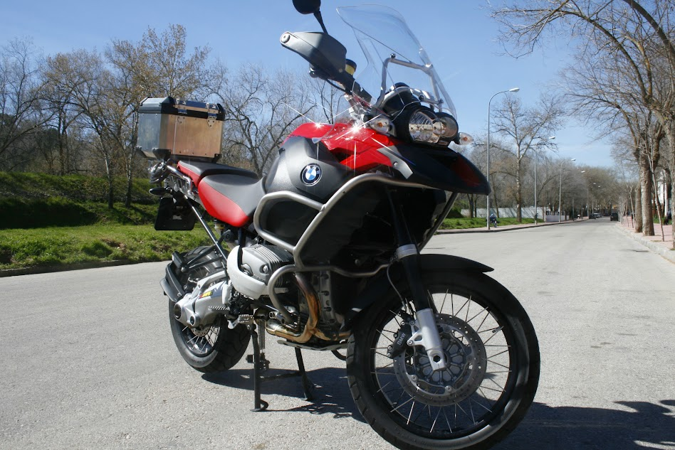 Me presento desde Madrid (España) BMW+R+1200+GSA_0001
