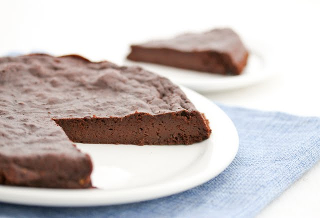 Three Ingredient Flourless Chocolate Cake
