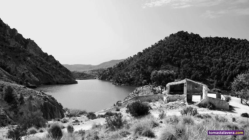 Nikon D5100, 18-55 mm, Paisajes, Blanco y negro, Montañas, Pantano de Tibi, Tibi, Ruinas,
