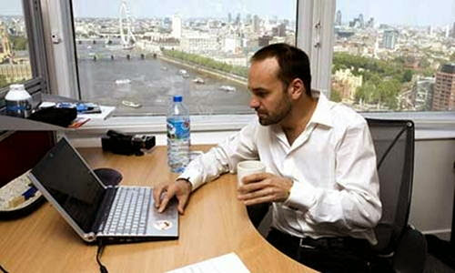 Mark Shuttleworth practica dogfooding y avala a Mir