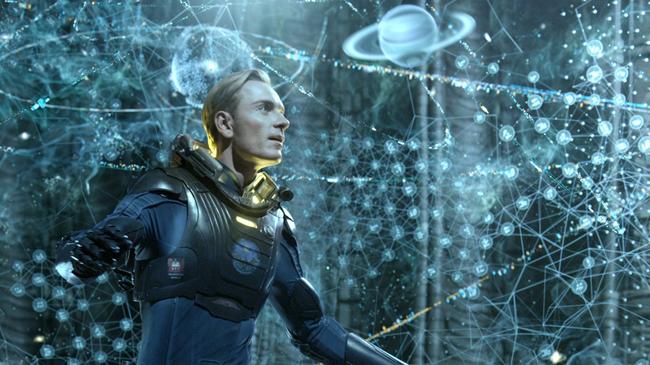 เดวิด (ไมเคิล ฟาสส์เบนเดอร์ ในหนัง Prometheus)