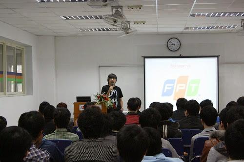 """Sinh viên FPT Polytechnic giao lưu cùng """"Giáo sư Cù Trọng Xoay"""""""
