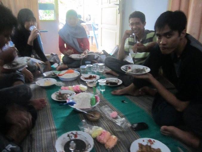 makan di rumah slametux