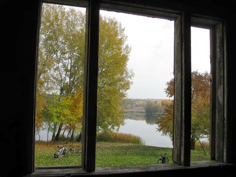 кадница из окна