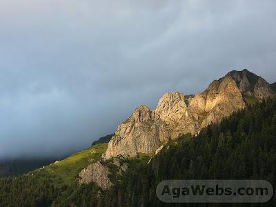 Valea Sambetei - formatiune de stanci