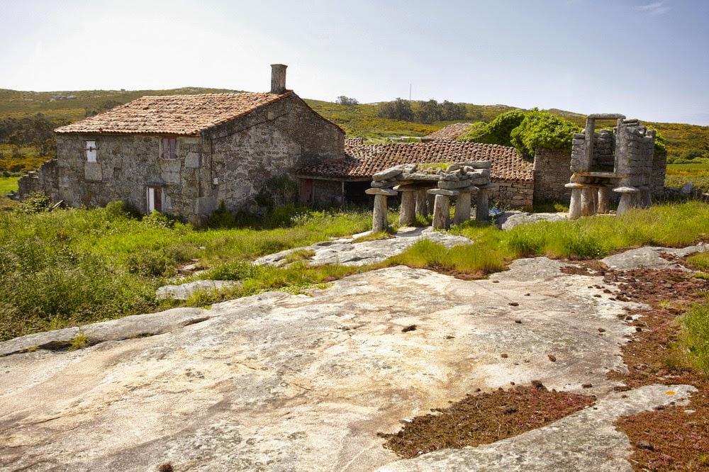 Aldea en venta galicia magn ficas panor micas frente al - Casas de madera en galicia baratas ...