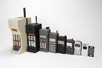 ponsel - 10 penemuan teknologi mengubah dunia