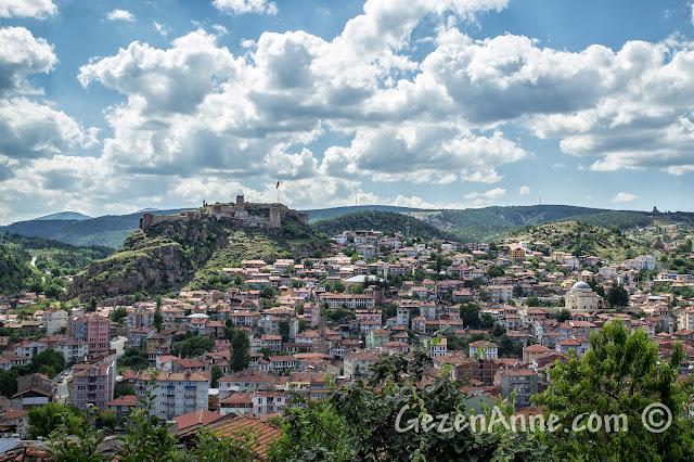 Kastamonu Kalesi ve tarihi konaklarla süslü Kastamonu merkezi