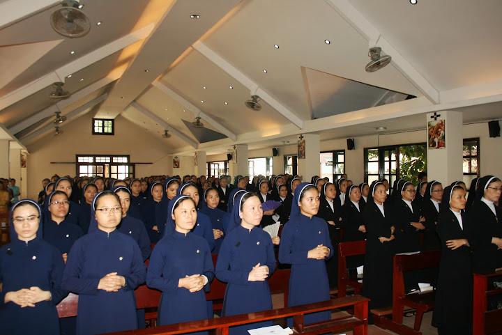 Giáo Phận Nha Trang: Khai giảng Lớp Thần Học Liên Tu Sĩ Khóa XV 2013