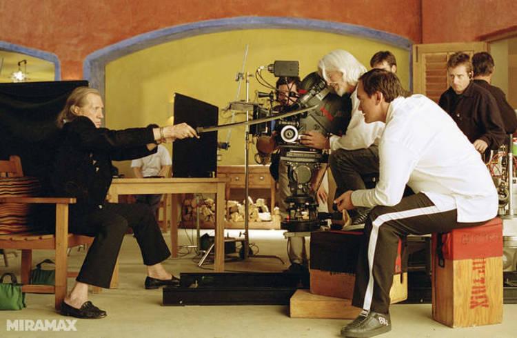 David Carradine con Quentin Tarantino ensayando para el rodaje de la película Kill Bill