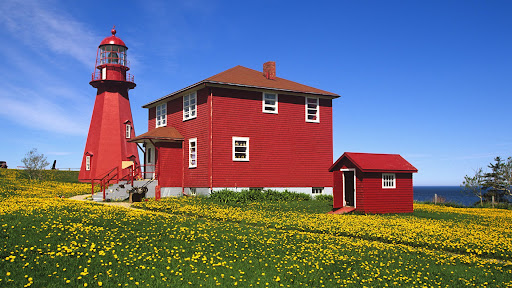 La Matre Lighthouse, Gaspe Peninsula, Quebec.jpg