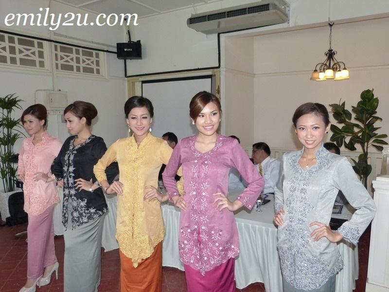 Miss Kebaya Perak