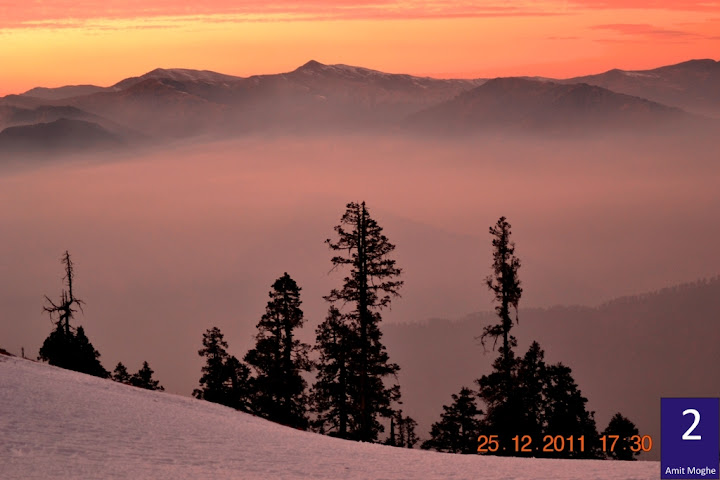 Dusk over the winter mountains was again brilliantly captured by Amit Moghe. The mist hanging on the hills lends a fairy tale charm to the scene.
