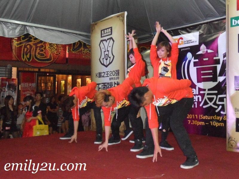 Ipoh dancers