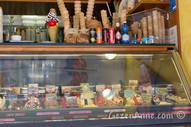 Amalfi'de gelateria