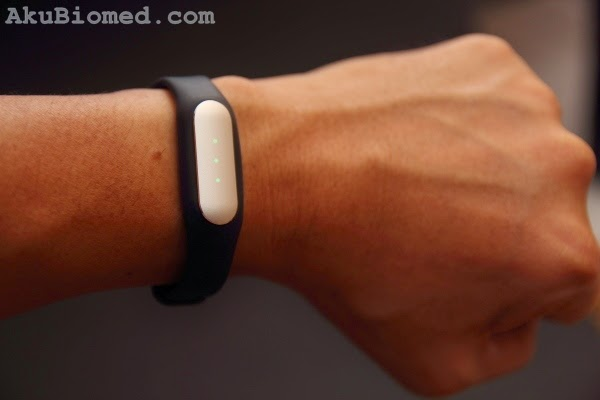 gelang pintar Xiaomi Mi Band