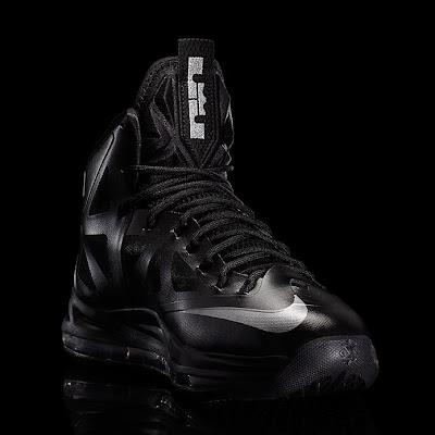 nike lebron 10 gr black anthracite 7 03 Release Reminder: Nike LeBron X Carbon / Black Diamond