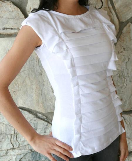 customização de camiseta branca com pregas