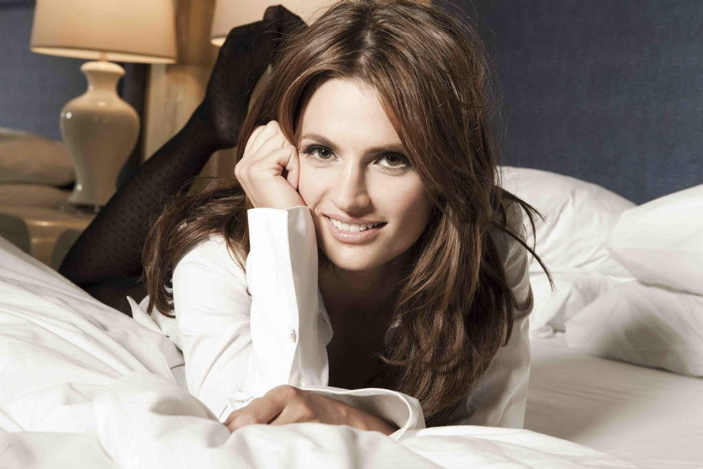 You're Waiting For a Train...: Pretty Girl 03.06.11 - Stana Katic