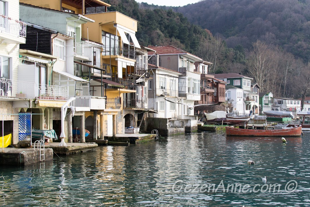 Anadolu Kavağı'nda boğaza nazır evler manzarası