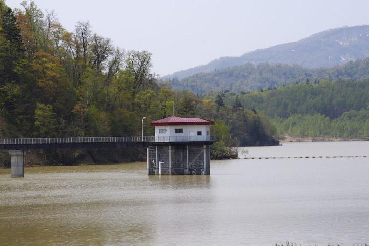 写真:ダムの吸水口