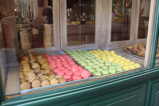 macaroon display in a Nimes.jpg