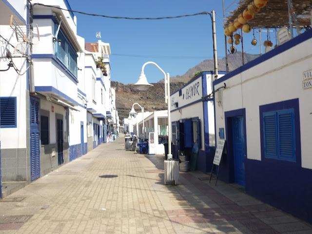Straße in Puerto de las Nieves, ein Vorort von Agaete.