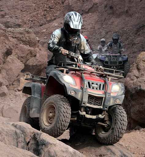 250cc Shaft Drive Semi Auto Jianshe Yamaha Quad Bike JS250ATV-5 ATV Over Rocks Rugged Terrain