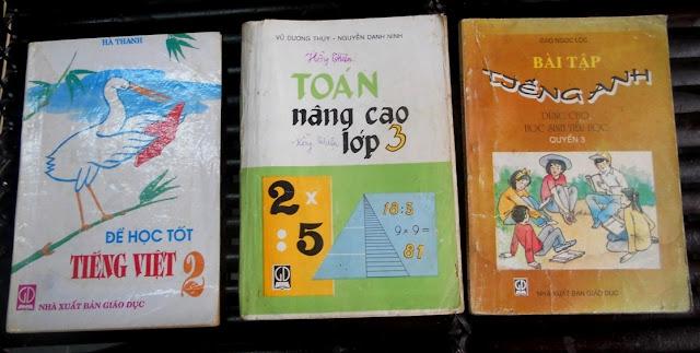 Sách giáo khoa tiểu học cũ - nơi lưu giữ từng trang ký ức DSCN2727