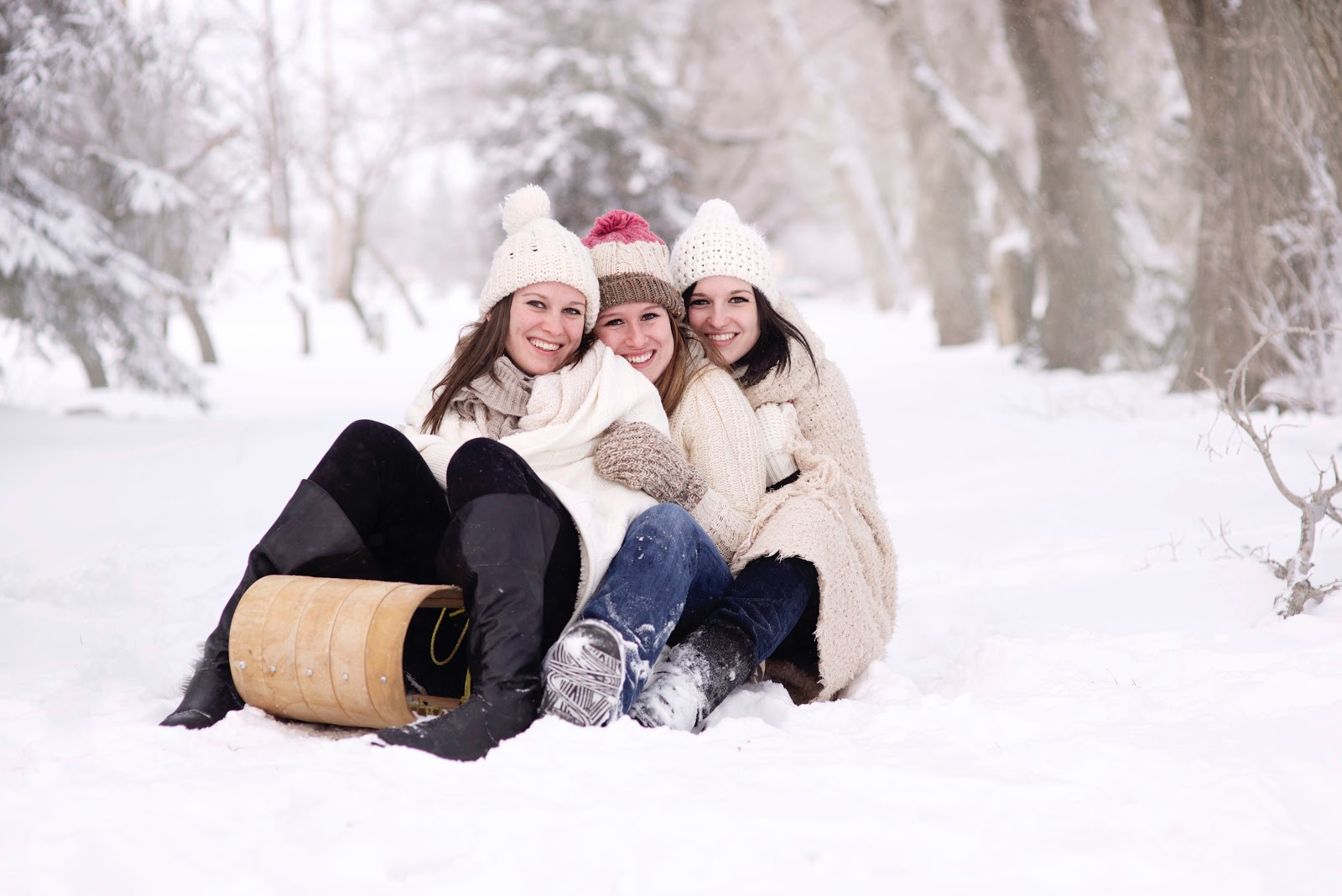 Girls On  a Sledge - Quiksilver