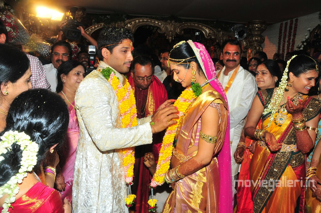 jennifer lopez 2011 photos_17. Allu Arjun Sneha Reddy Wedding