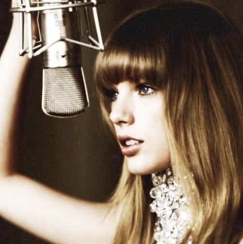 Jennifer Swift Photo 26