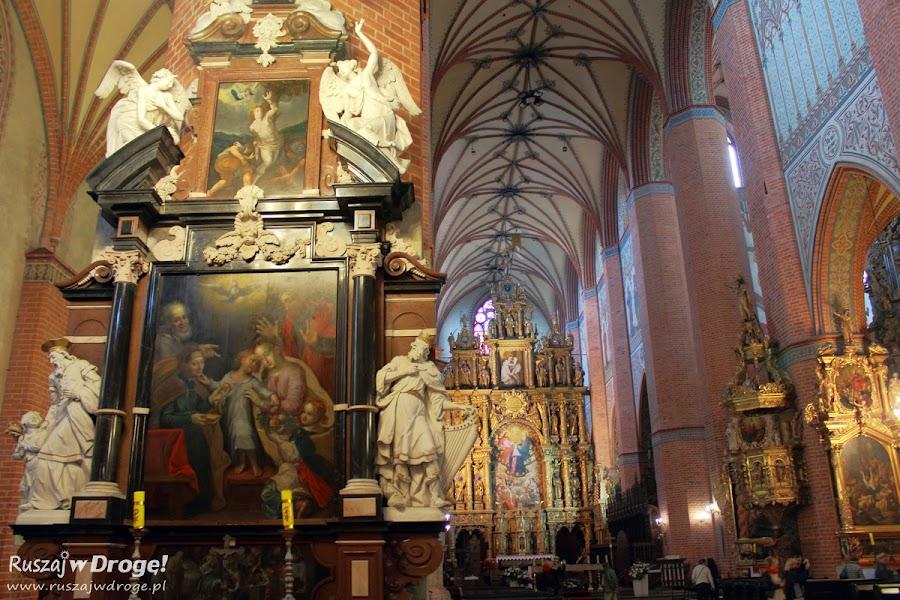 Katedra w Pelplinie - ołtarz boczny