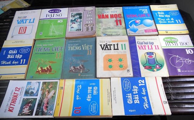 Sách giáo khoa tiểu học cũ - nơi lưu giữ từng trang ký ức DSCN2745