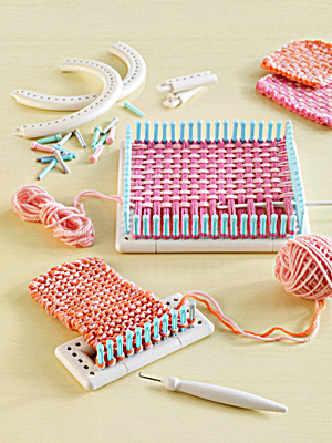 Then loom kit is part of the giveaway, along with the yarn!