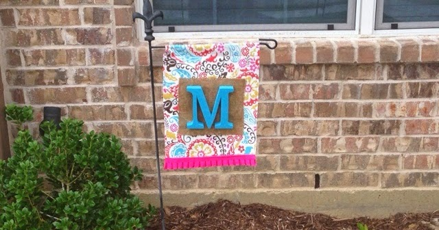A Little Of This A Little Of That Easy Garden Flag Diy Tutorial