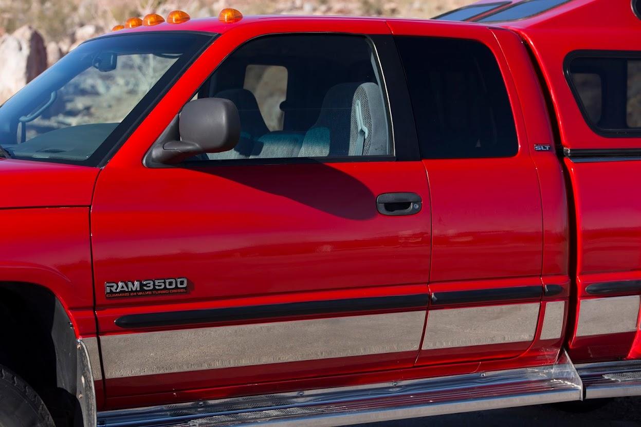 Dodge RAM 3500 Laramie SLT 4x4 Quad Cab Dually 5SPD Turbo Diesel