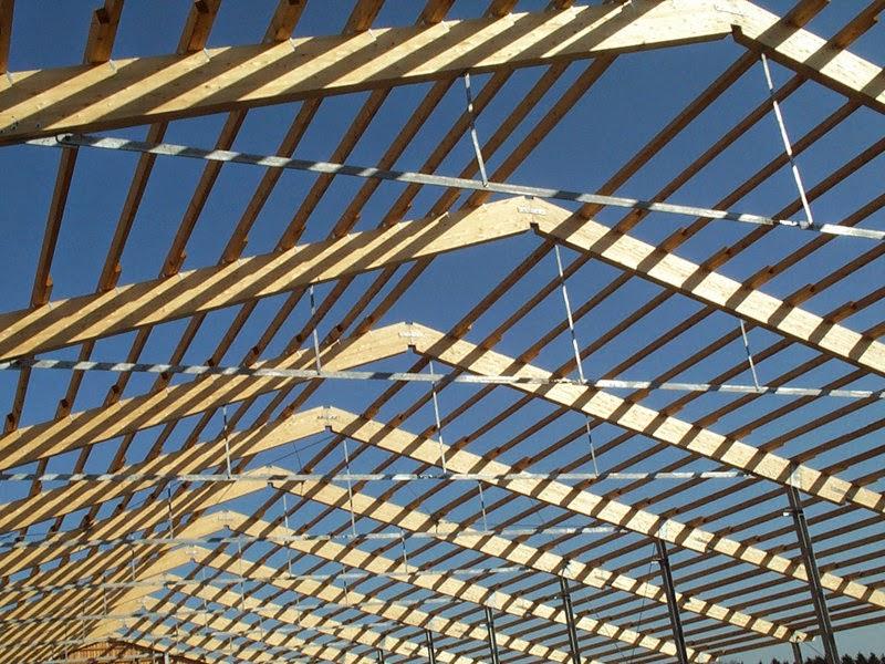 Stahl/Leimholzkonstruktion mit Zugband