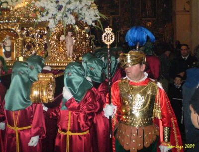 Hermanos de andas de la Hermandad de Nuestra Señora de las Angustias - Semana Santa Baena 2009 - Foto de Domingo