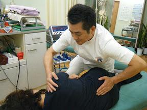 当院の骨盤矯正は筋肉を動かしたり反射療法によるものではありません