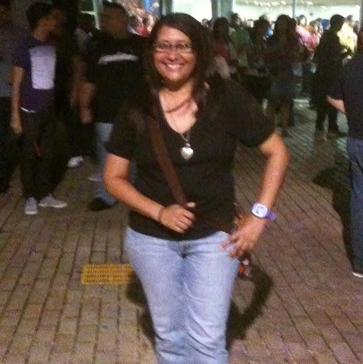 Mariela Santiago Photo 13