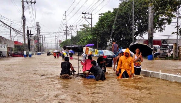 Mario Causes Flooding in Metro Manila with Pictures 19-09-2014-08