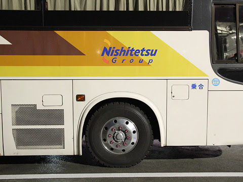 西鉄高速バス「さぬきエクスプレス福岡号」 3270 サイド めかりパーキングエリアにて