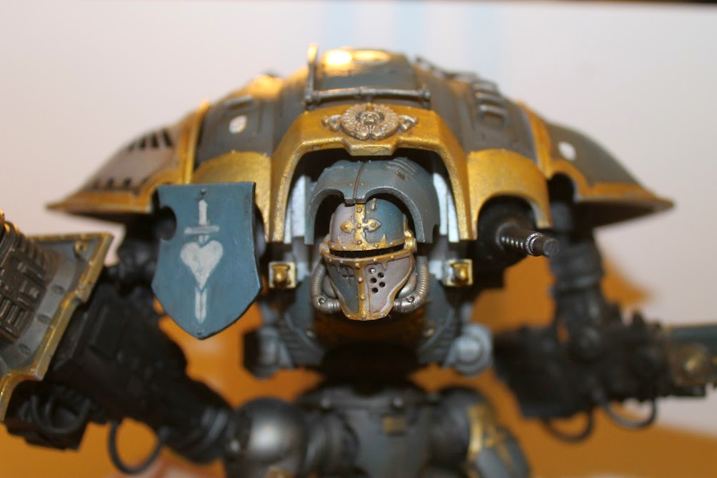 Imperial Knight head and shoulders