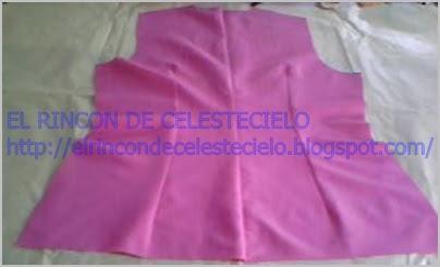 Blusa espalda con corte, cosido el corte y las pinzas centrales