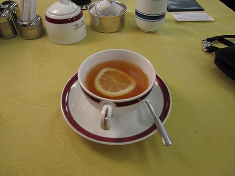 寝台特急「トワイライトエクスプレス」 食後の紅茶