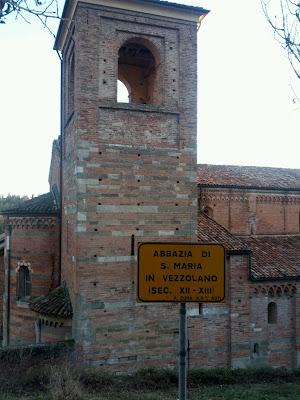 Abbazia di Santa Maria di Vezzolano, Località Vezzolano, 35, 14022 Albugnano Asti, Italy