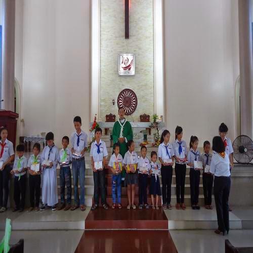 Thánh Lễ Bế Giảng Năm Học Giáo Lý 2013 tại Giáo xứ Vạn Giã